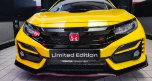 2021 Honda Civic Type R front