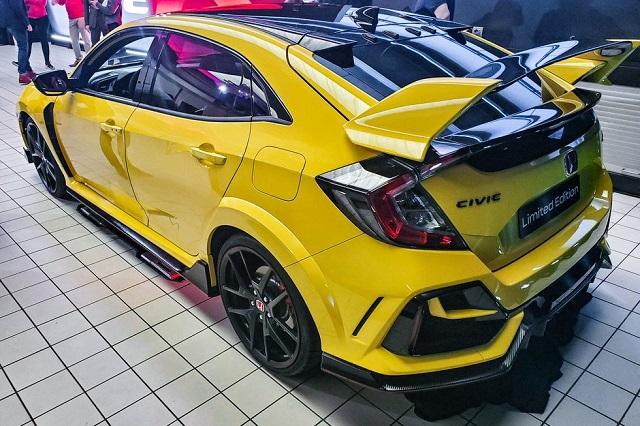 2021 Honda Civic R rear
