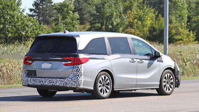 2022 Honda Odyssey rear