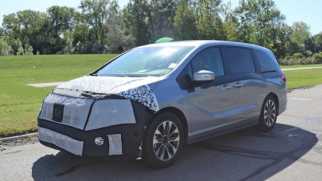 2022 Honda Odyssey side