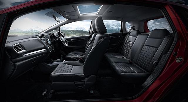 2021 Honda WR-V interior
