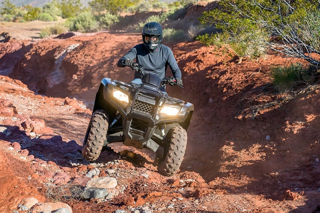 2020 Honda FourTrax Rancher front