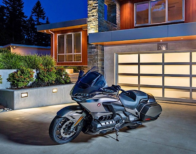 2021 Honda Gold Wing front