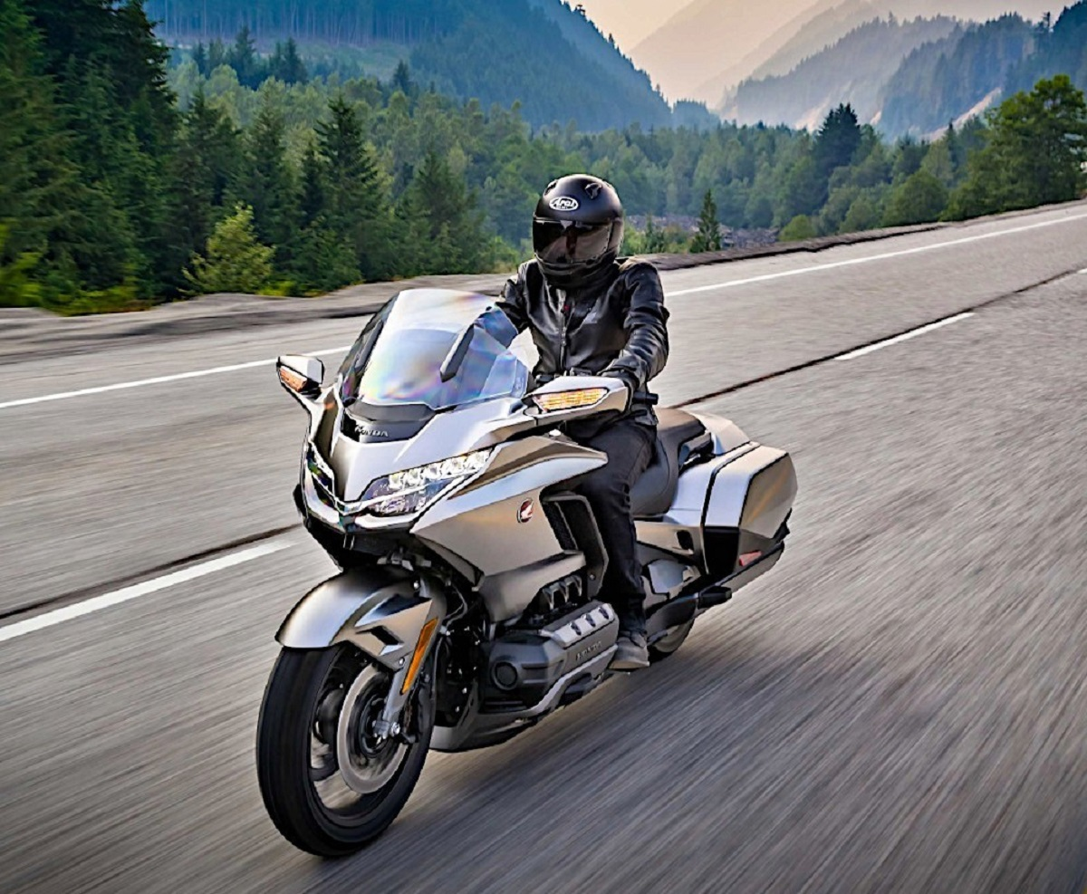 2021 Honda Gold Wing Finally Includes Android Auto Support ...