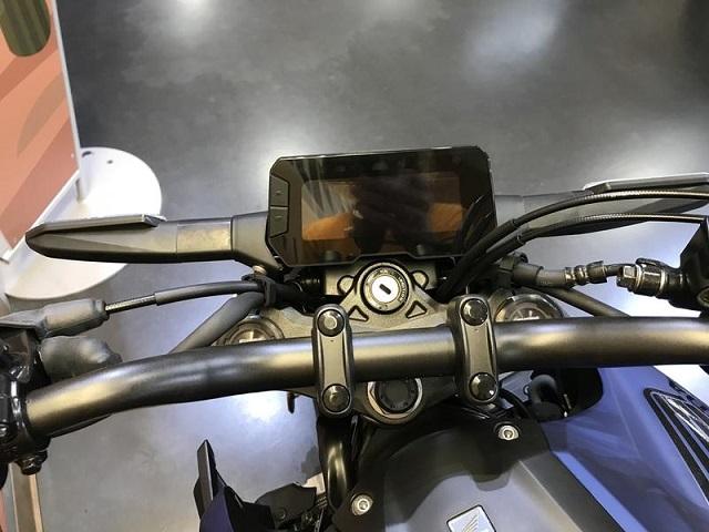 2021 Honda CB300R dash