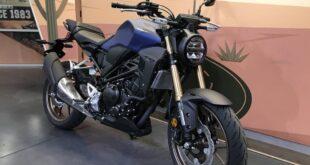 2021 Honda CB300R front