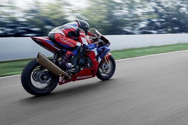 2021 Honda CBR1000RR-R SP Fireblade side