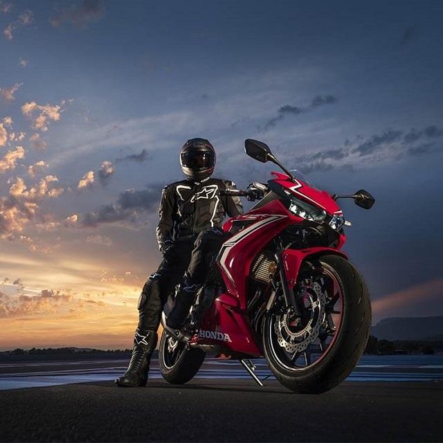 2021 Honda CBR500R front