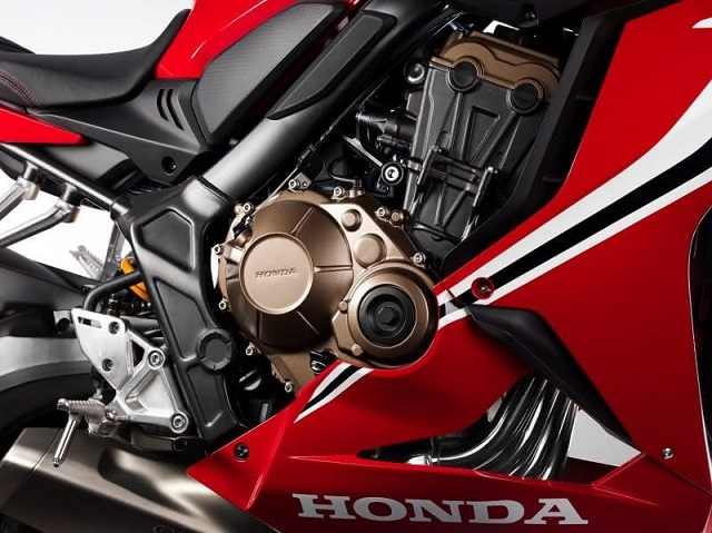 2021 Honda CBR650R engine