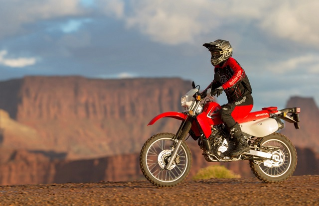 2021 Honda XR650L side look