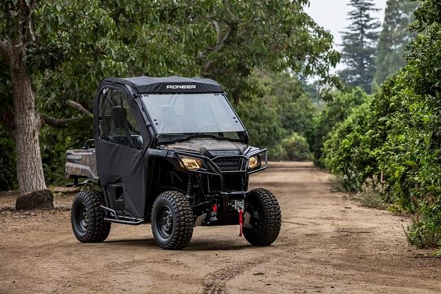 2021 Honda Pioneer 520 front