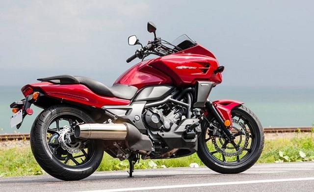 2022 Honda CTX 700 rear