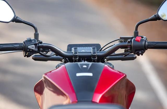 2022 Honda CB300R dash