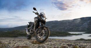 2022 Honda CB500X front