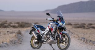 2022 Honda CRF850 Africa Twin front