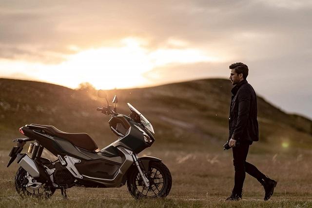 2022 Honda ADV150 SIDE