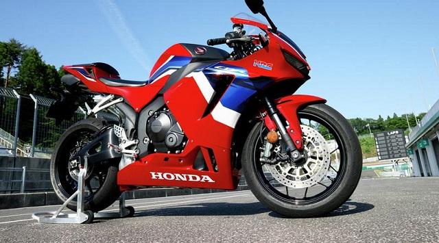 2022 Honda CBR600RR side