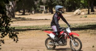 2022 Honda CRF125F side